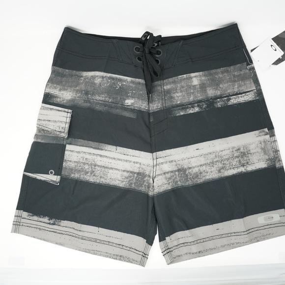 """Oakley Other - NWT Oakley Swim Trunks Board Shorts 19"""" White 33"""